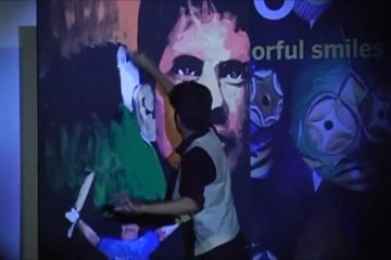 Vilas Nayak painting Master Blaster Sachin Tendulkar for India Inclusion Summit